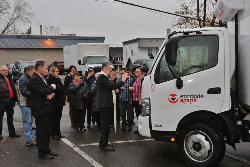 Entraide Agapè : Aide bénie pour un camion réfrigéré