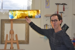 L'amateur de casse-tête qui fabrique des vitraux