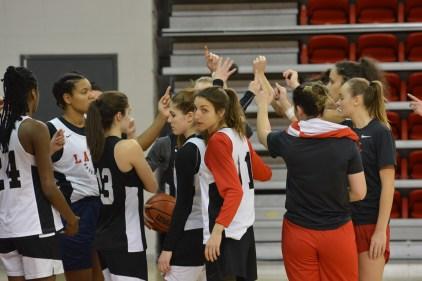 Rouge et Or basketball féminin: toujours invaincue, la formation veut entrer dans l'histoire