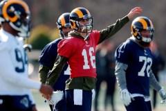 Les Rams et les Patriots depuis 2002: le roulement versus la constance