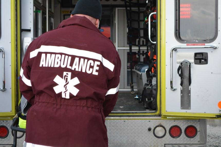 Accident de travail: le bras d'un homme coincé dans une machine pendant plus d'une heure