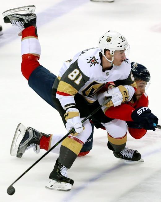 Hoffman et Barkov propulsent les Panthers vers un gain de 3-1 devant les Knights