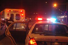 En skate accroché à une voiture: un jeune homme gravement blessé
