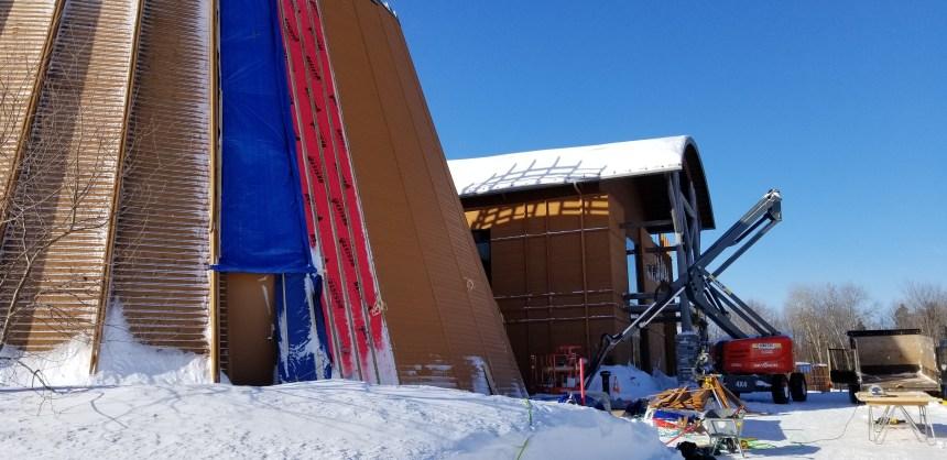 Nouveau revêtement extérieur au Musée huron-wendat