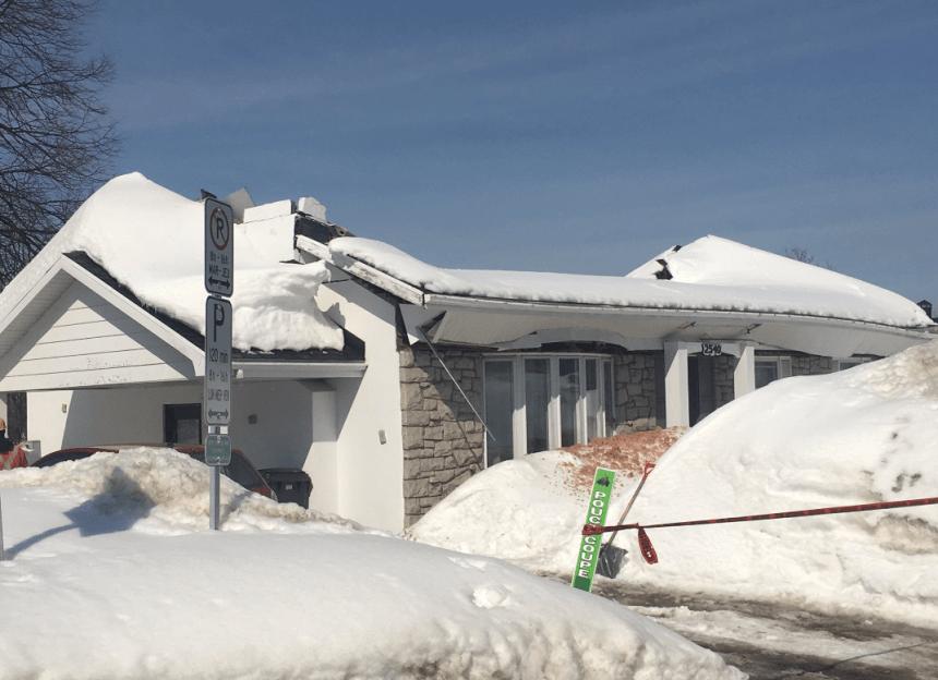 Effondrement d'une toiture de maison à Sainte-Foy