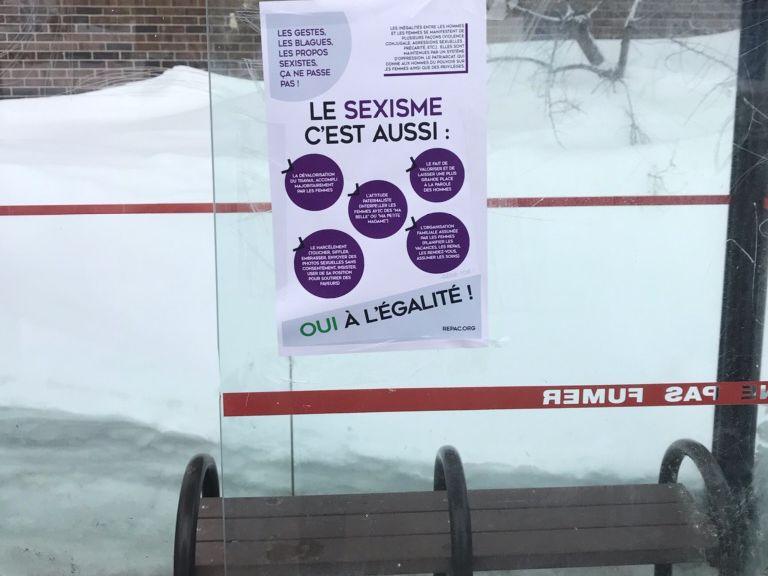 Affichage contre le sexisme pour la Journée de la femme