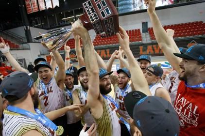 Volleyball masculin – Le Rouge et Or reprend la bannière du RSEQ