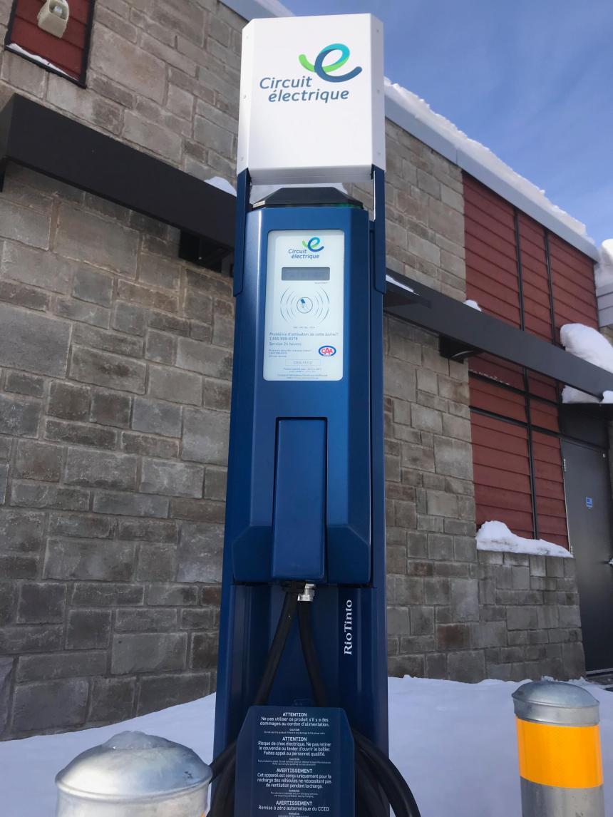 Véhicules électriques : Trois bornes de recharge de plus