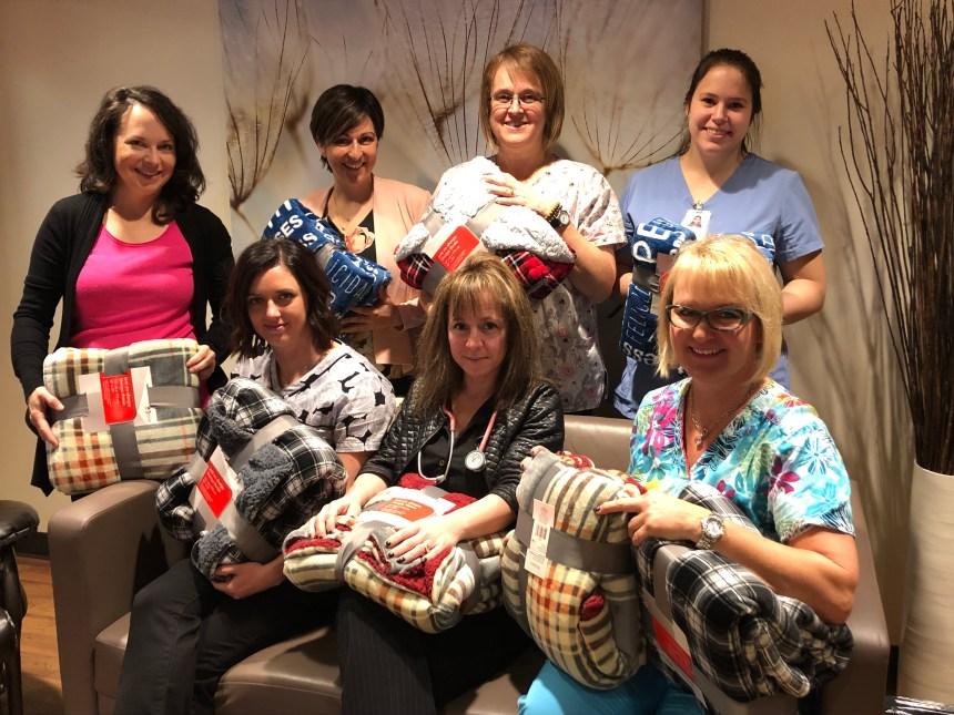Dons de couvertures et de jaquettes aux soins palliatifs