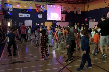 École Jules Émond – Un party pyjamas pour l'achat de guitares