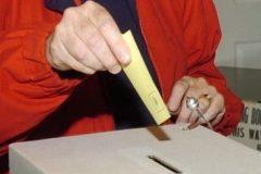 Élections fédérales: les Canadiens appelés aux urnes