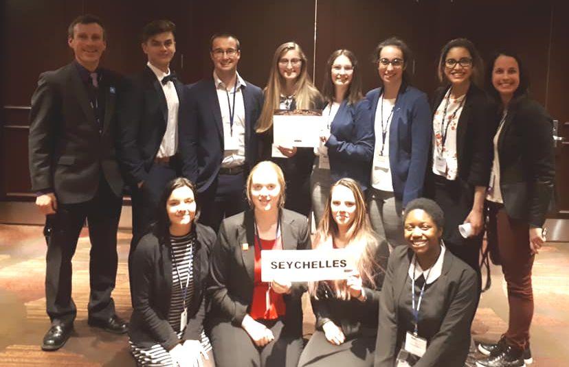 Des étudiants de Mérici participent à une simulation des Nations Unies
