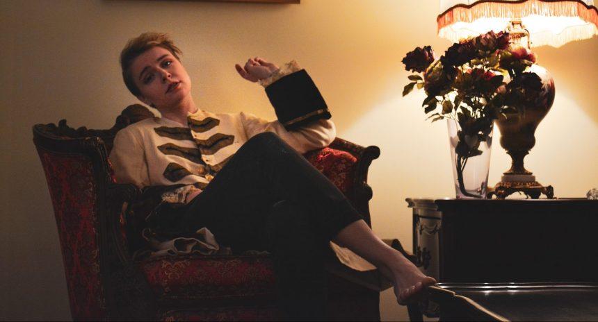 Un premier EP inspiré du poly-amour pour Narcisse