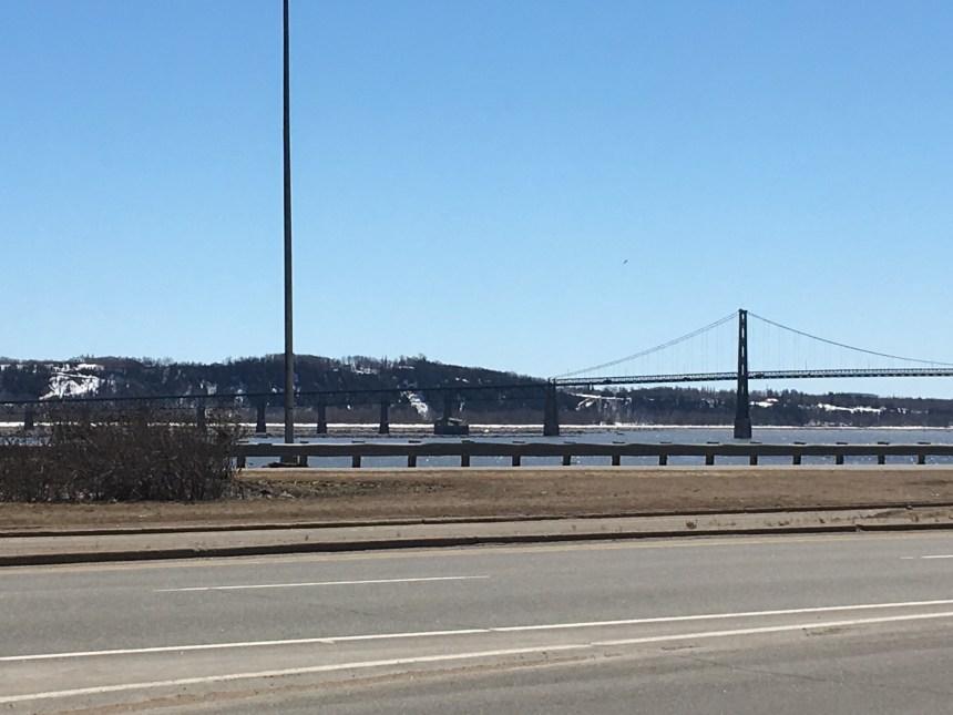 Travaux de réfection du pont de l'Île-d'Orléans et de stabilisation des berges