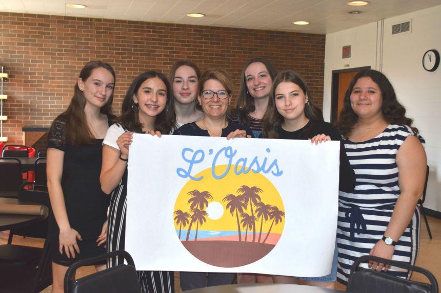École secondaire Neufchâtel – Six élèves rénovent le café étudiant