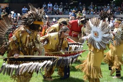Pow Wow international – Chants et danses réunis à Wendake