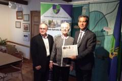 Prix du patrimoine: le député Paul-Hus remet des certificats d'honneur