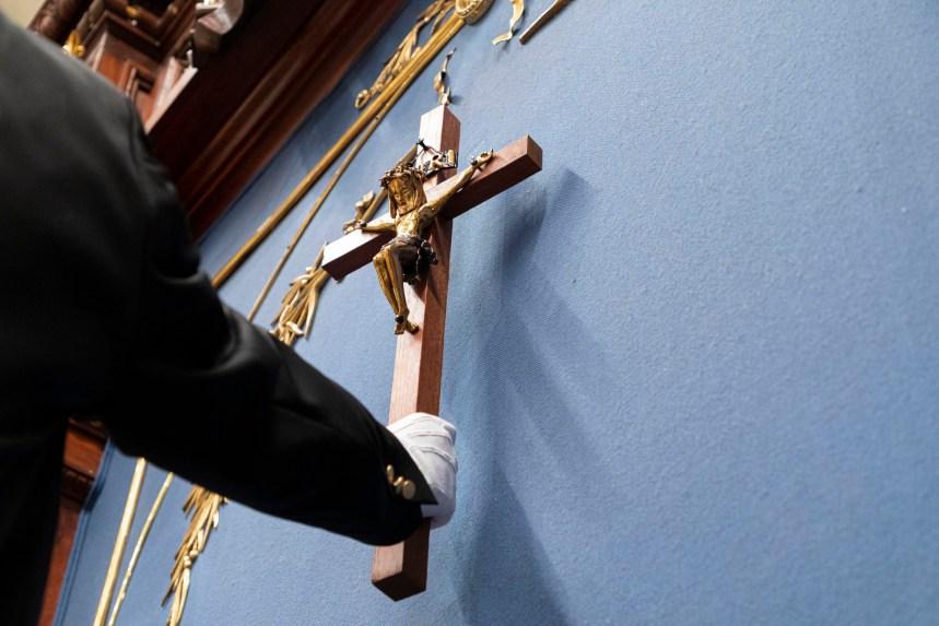 Retrait du crucifix de la salle de l'assemblée nationale