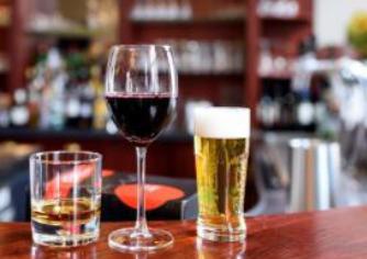 Consommation excessive, mais peu de mélange alcool et cannabis à Québec