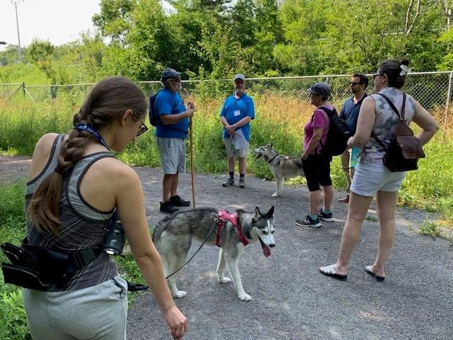 Une marche pour rendre au public le parc de l'ancien zoo