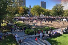 Marche pour le climat: 25000 personnes dans les rues de Québec