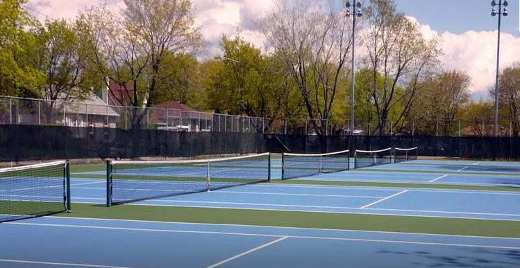 Le club de tennis de Saint-Rodrigue demande la réfection de ses terrains