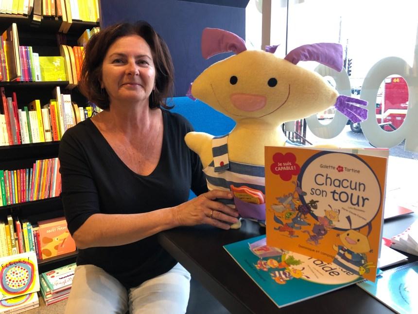 Galette s'amène en classe pour promouvoir la lecture