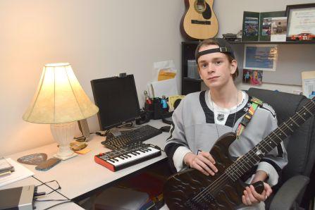 Concours international de jeunes guitaristes – Dylan Poulin retenu parmi les 10 meilleurs