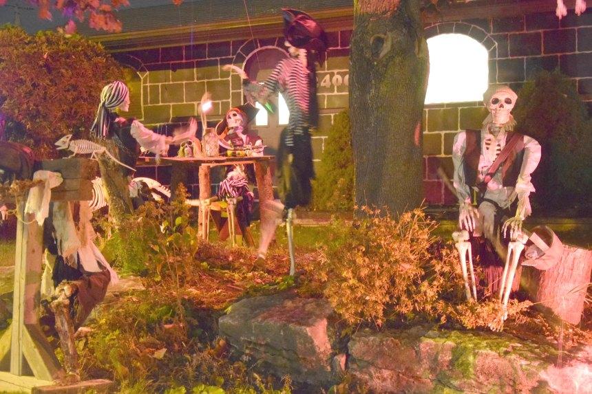 L'Halloween sur la rue Béthune – Des pirates aux dinosaures