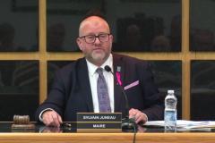 Le maire Juneau interpelle le député Godin