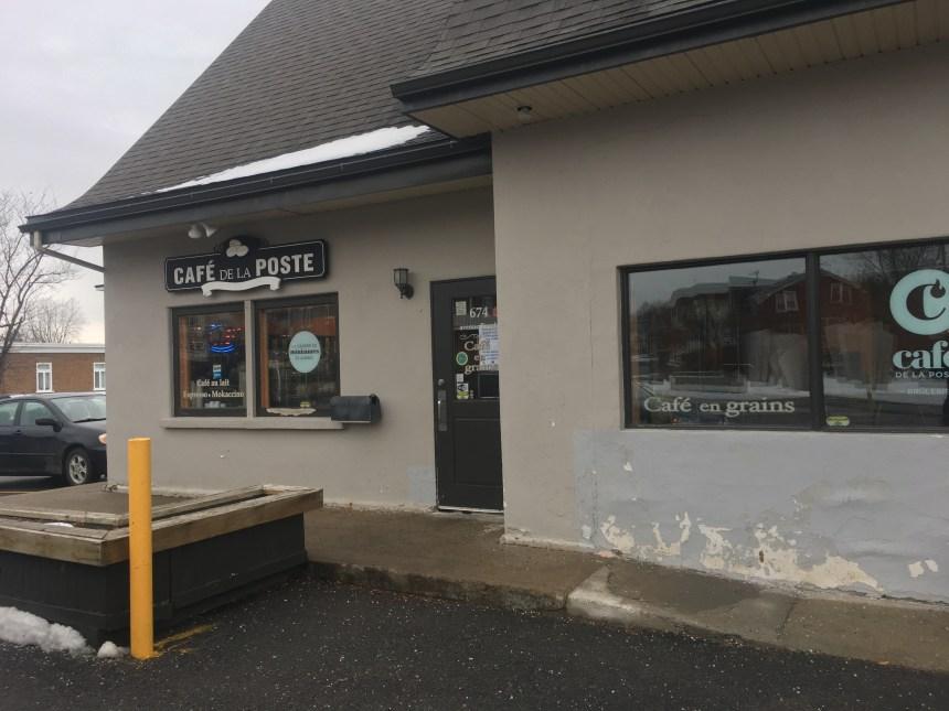 Le Café de la poste demeure bien vivant
