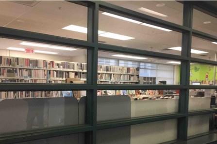 Livres à l'auto et à emporter: les bibliothèques reprennent du service