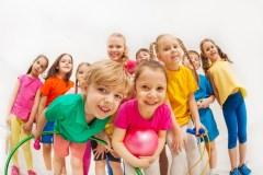 De monitrices de camps de jour à enseignante: quand ton emploi d'été façonne ton choix de profession