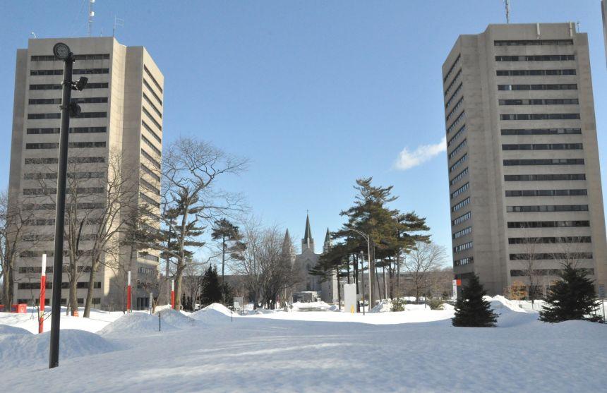 COVID-19: l'Université Laval complète ses cours à distance
