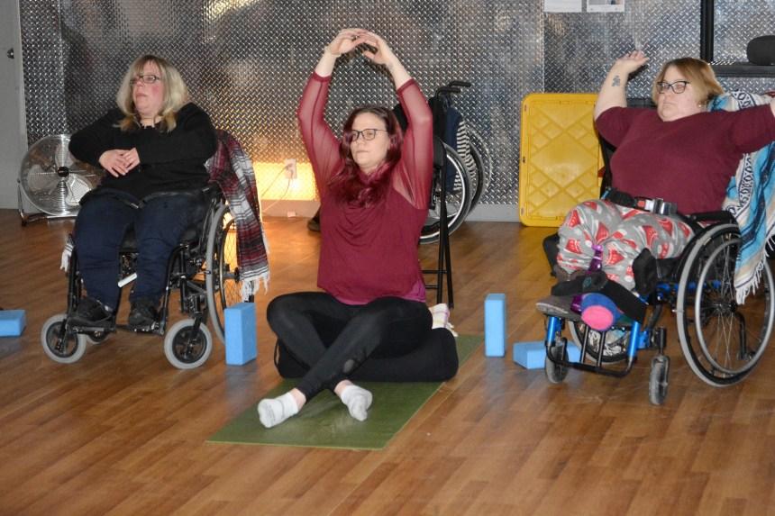Le yoga adapté: inclusion, relaxation et plaisir