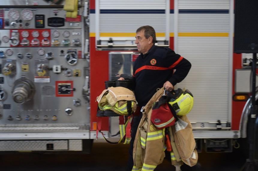 Une cinquantaine de pompiers combattent deux incendies