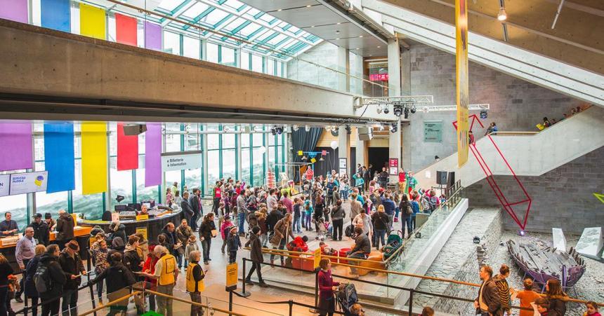 COVID-19: les établissements culturels du Québec emboîtent le pas