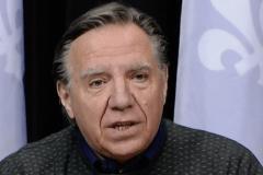 François Legault promet de mieux s'occuper des personnes âgées