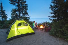 Accès autorisé aux campings, marinas et certains hébergements touristiques