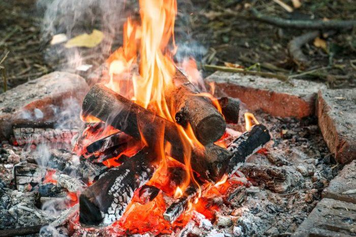 Levée totale de l'interdiction de faire des feux à ciel ouvert