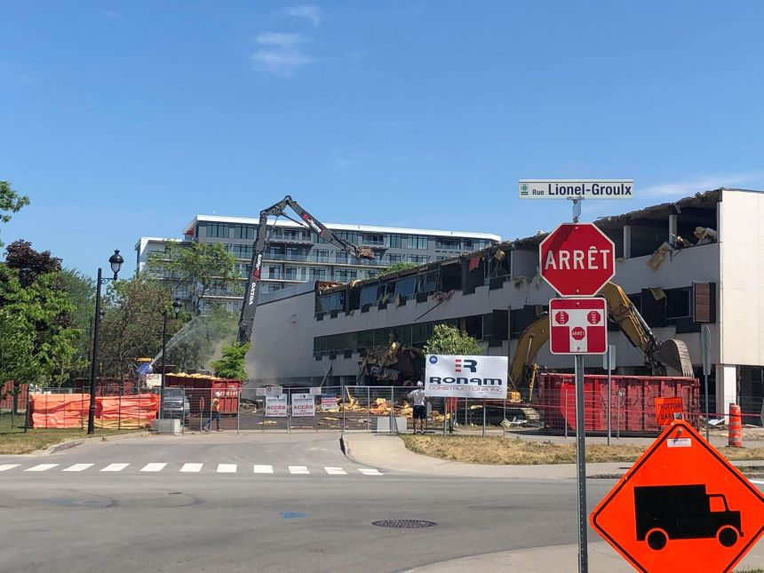 Début des travaux de démolition du Centre Jean-Marie-Roy