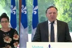 Le premier ministre fait sa conférence de presse sur la Côte-de-Beaupré