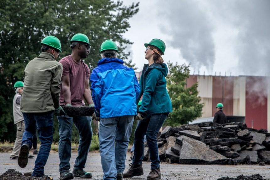 Sous les pavés: un projet en aide à l'environnement à Québec