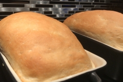 Laissez les enfants faire leur propre pain de ménage