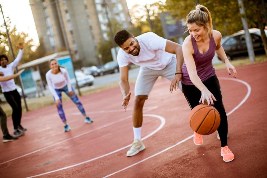 Nouvelle ligues pour adultes: le sport étudiant honore la mémoire de Michel Julien
