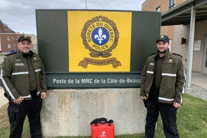 Deux policiers sauvent une vie