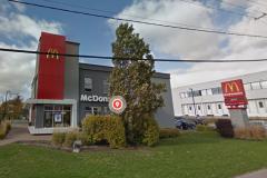 Le McDonald's du chemin Quatre-Bourgeois fermé en raison d'un employé infecté
