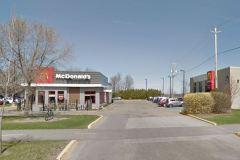 Covid-19: le McDonald's de la route Jean-Gauvin à nouveau fermé