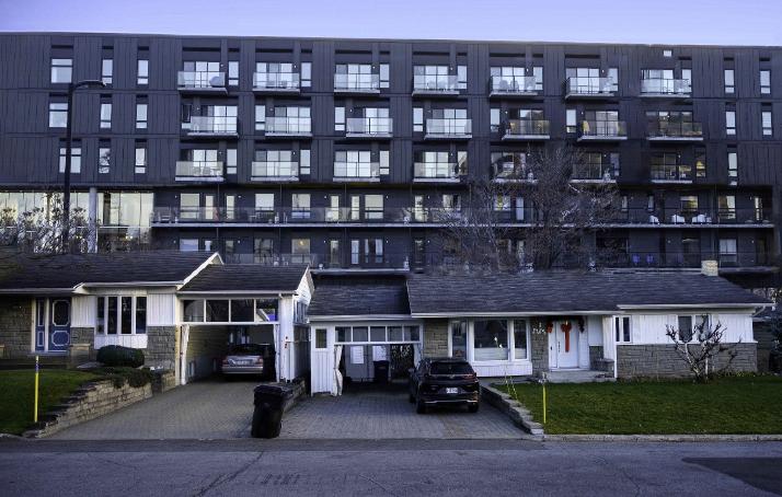 Mur immobilier dénoncé sur Quatre-Bourgeois