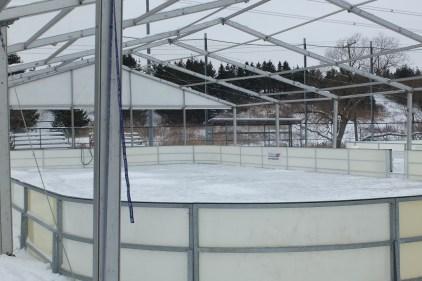 Aménagement de deux patinoires extérieures recouvertes annulé